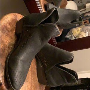 AE Black perforated booties!